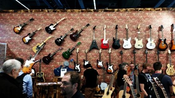 viele gitarren