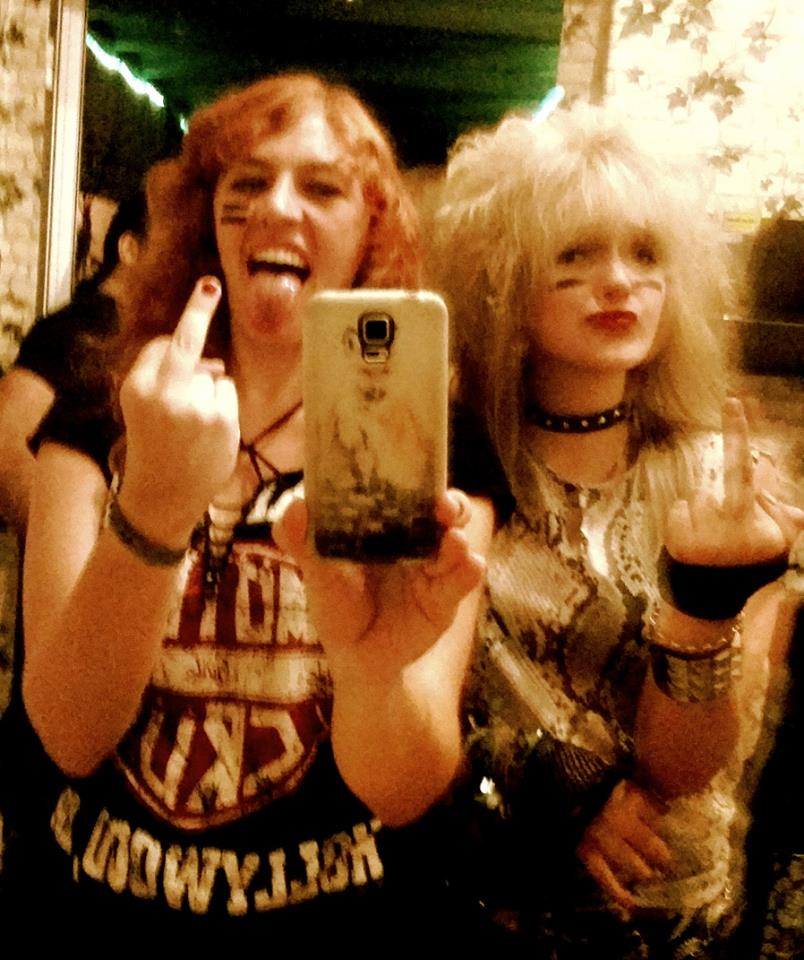 stinkefinger-glam-rock-bitches