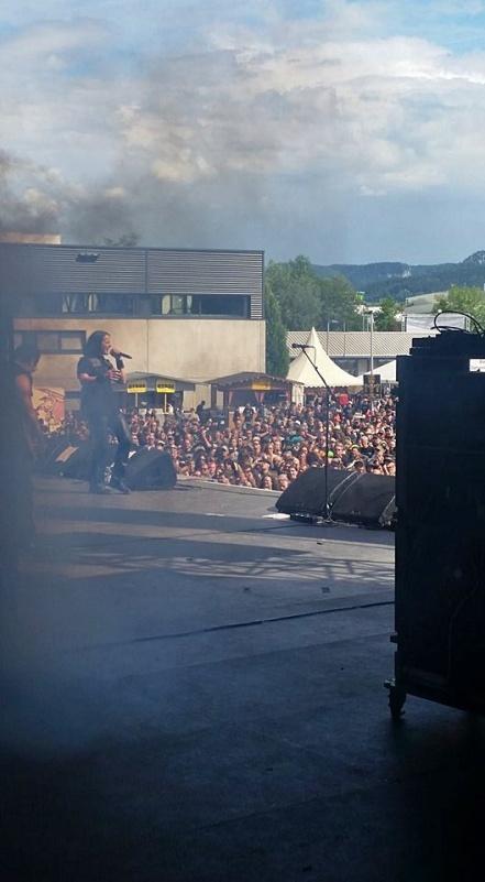 riotv-stage-byh