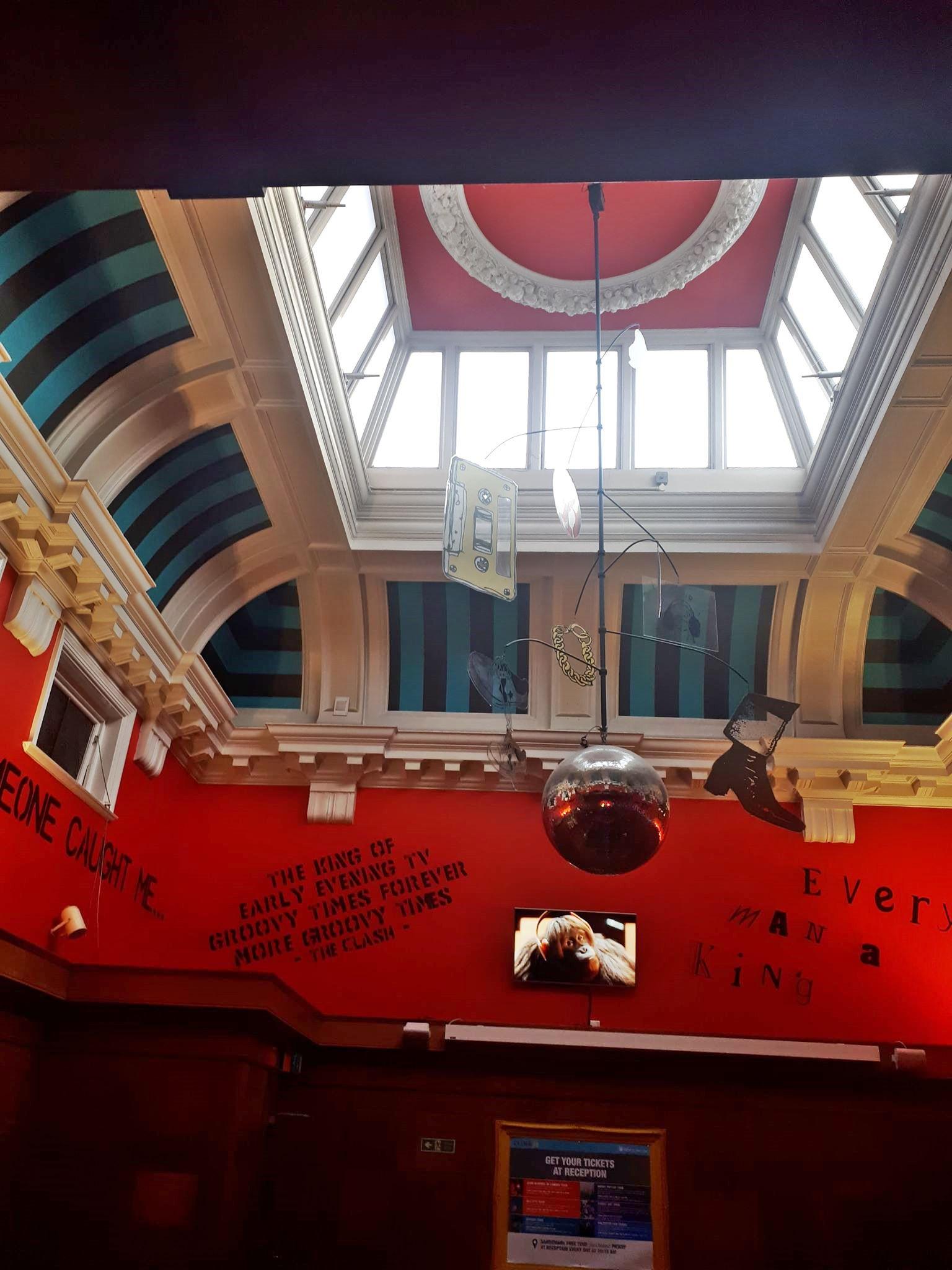 london hostel courtroom 2